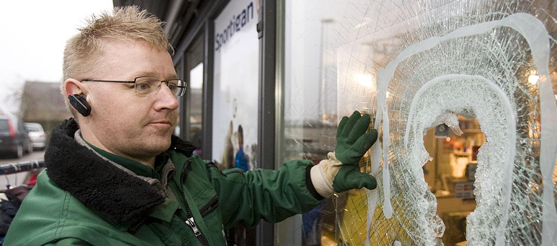 vi reparerer sikkerhedsglas